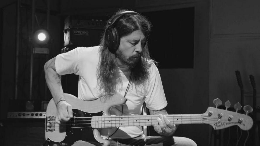 Dave Grohl Reveals The Sad Sacrifices He Made For Kurt Cobain