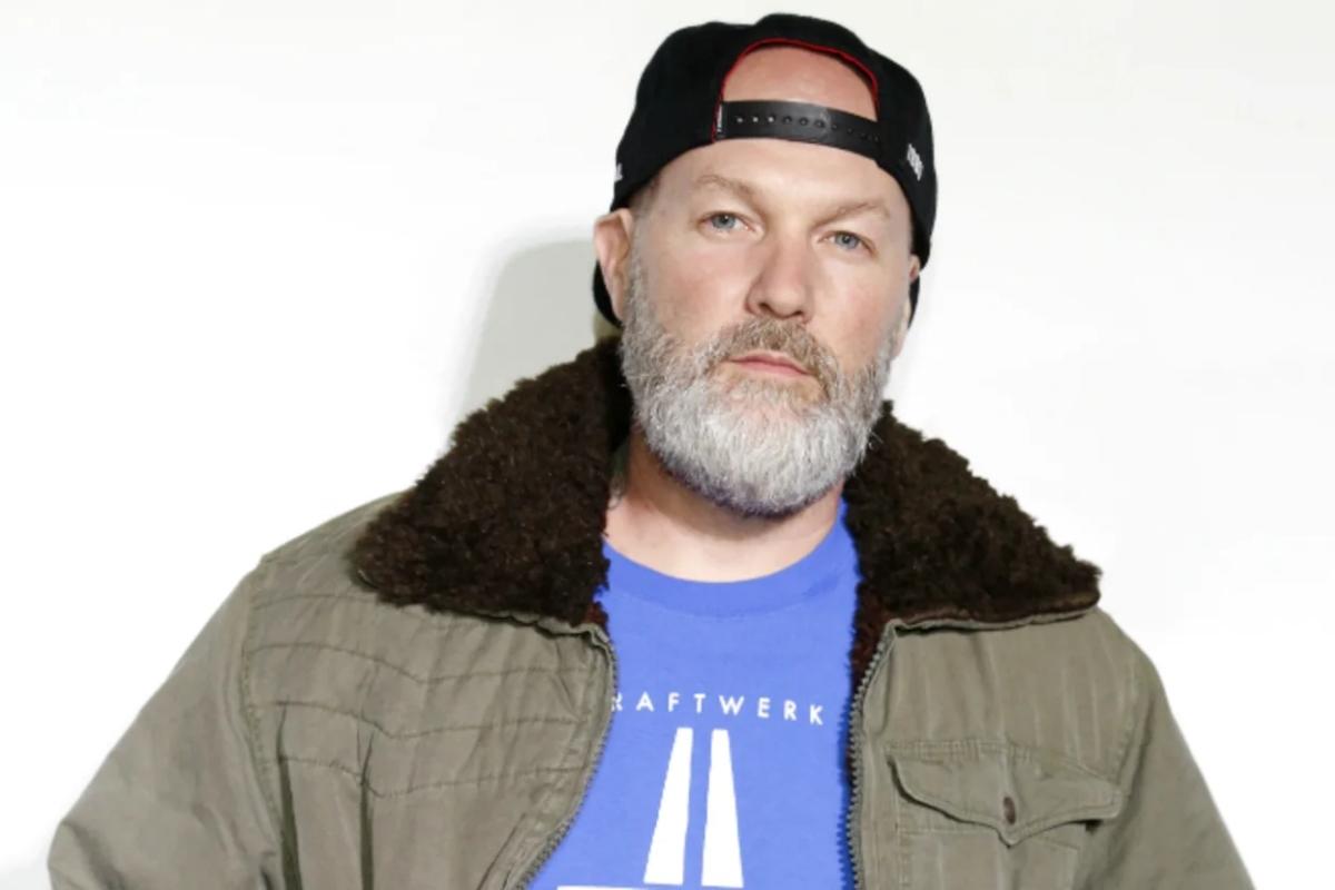 limp bizkit singer fred durst says i can buy everybody
